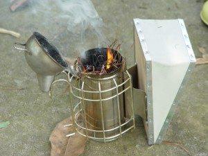 use smoke to handle bees