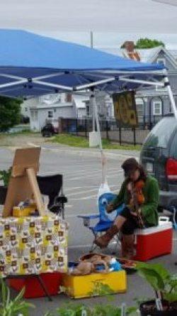 sonia-playing-at-market