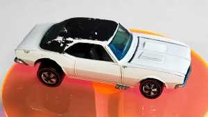 Redline Enamel White Hong Kong Camaro super raro