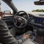 GM trabaja en conducción sin manos para calles urbanas