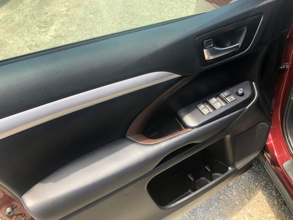 2018 Toyota Highlander full