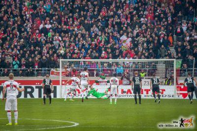 Terodde doing Terodde things. Bild © VfB-Bilder.de