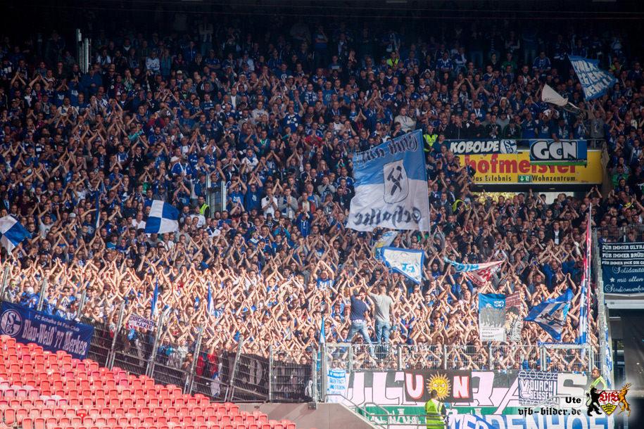 Rund um das Spiel gegen Schalke