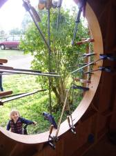 clamping the round window in place