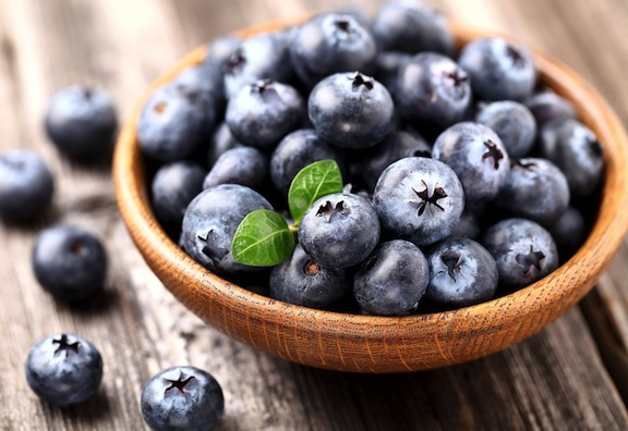 healthy snack blueberries