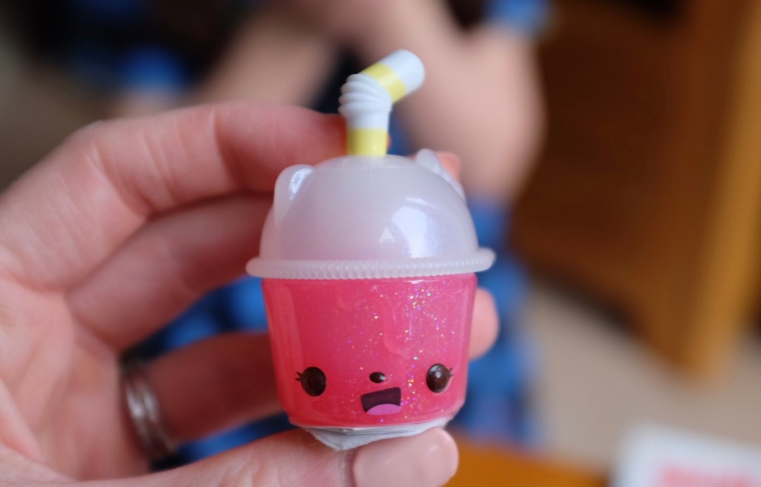 Num noms Sparkle smoothies without scented top