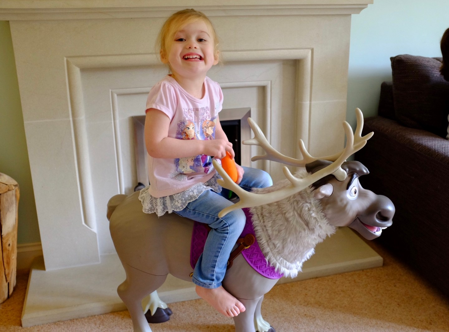 Playdate Sven Ride On Toy – REVIEW – Disney's Frozen 2 | AD
