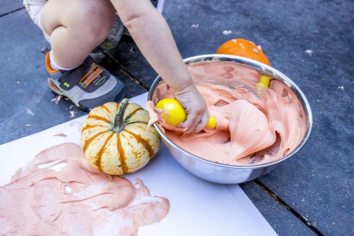 fall sensory play, puffy pumpkin paint