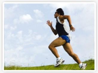 ランニング初心者向けのトレーニング方法から、効率よく走る方法までを紹介