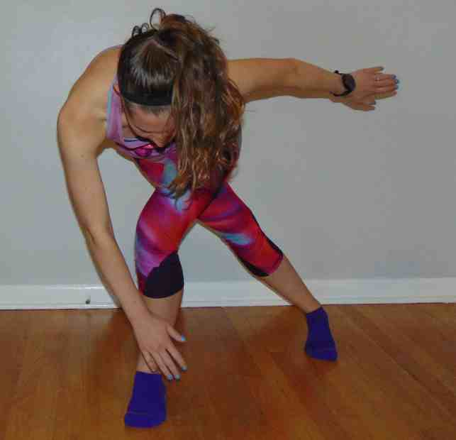 Try this 30 minute cardio workout right at home to promote epic fat burning all day long! With no equipment needed, these bodyweight cardio exercises combine to create the ultimate at home workout. This cardio workout is perfect for everyone looking to burn calories and stay in shape – from beginners to advanced! #cardioworkout #cardioexercises #athomecardioworkout