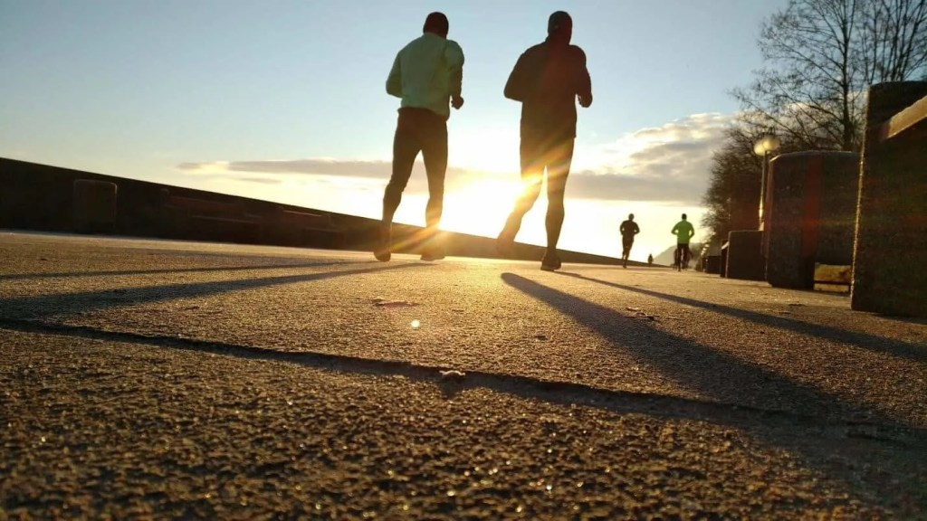 Lower Back Pain in Runners - Why we experience it, and how to get rid of it.
