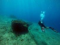 Κατάδυση στην θάλασσα δύτης