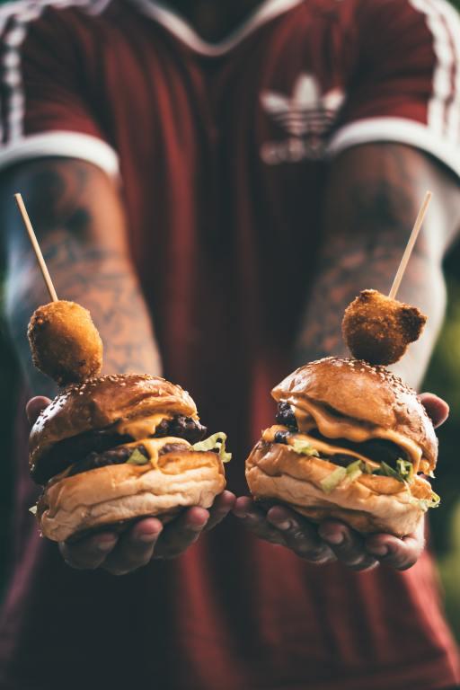 θερμίδες τροφών θερμιδομετρητής - burger