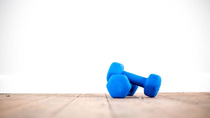 Πως να κάνεις γυμναστική στο σπίτι | Running Scenes Διατροφή Υγεία Αθλητισμός