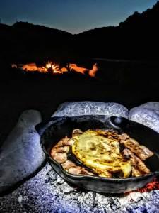 Καλτσόνε ψημένο στα κάρβουνα σε Μαντεμένιο τηγάνι | Running Scenes Διατροφή Υγεία Αθλητισμός