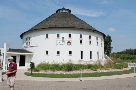 Round Barn Winery (obviously)