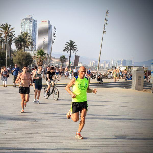 8 kilomètres de littoral dédié à la farniente et au sport - crédit photo : Running Geek