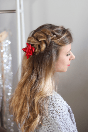 4 Cute Holiday Hair Accessories to Wear in Your Braids, hair tutorial featured by top Dallas beauty blogger, Running in Heels: gift bows