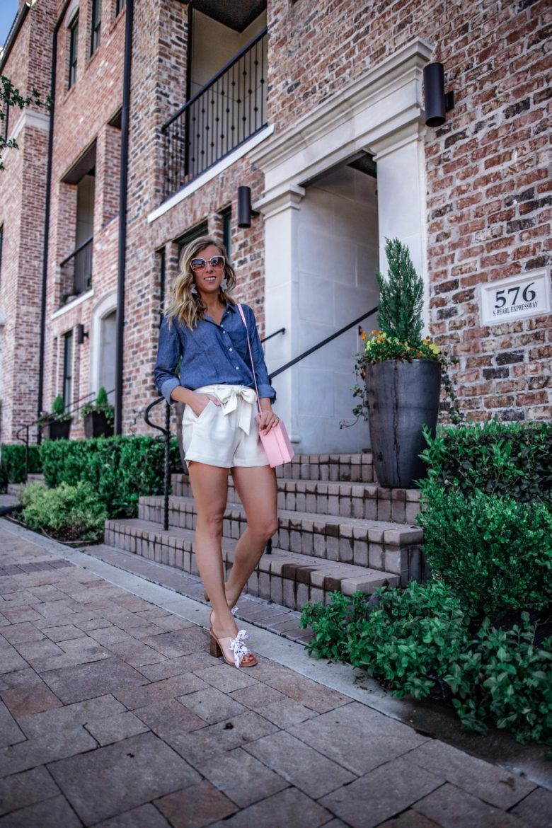 Influencer vs Blogger   Running in Heels   Chmabray Two Ways for summer