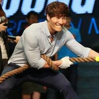 Les membres de Running Man sont surpris du poids de Kim Jong Kook