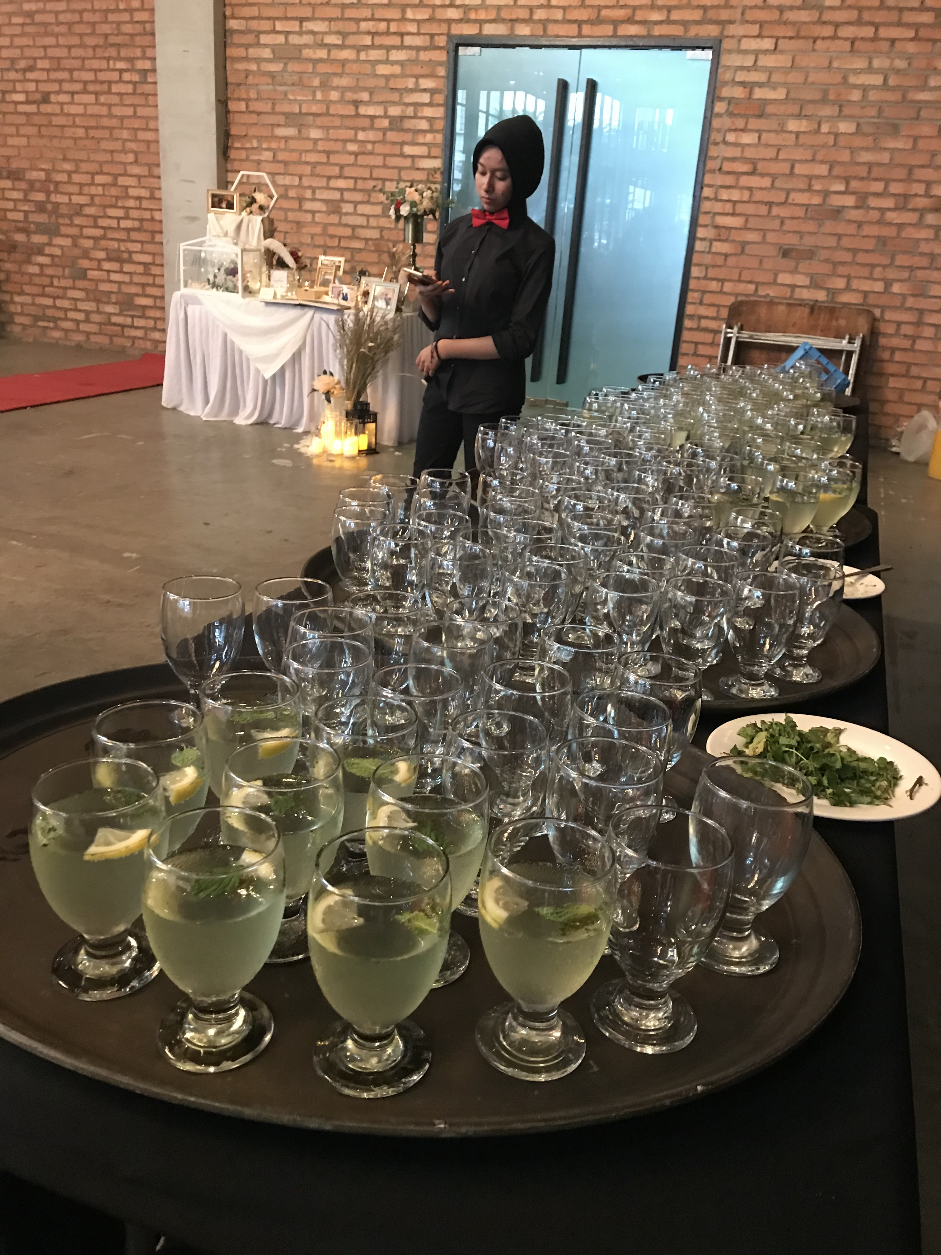 runningmen catering sit down menu event footage with cocktail drinks