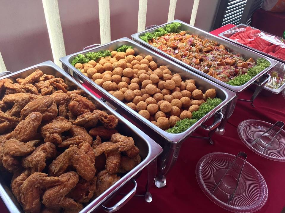 runningmen catering pre-wedding event footage fried chicken and fried fish ball