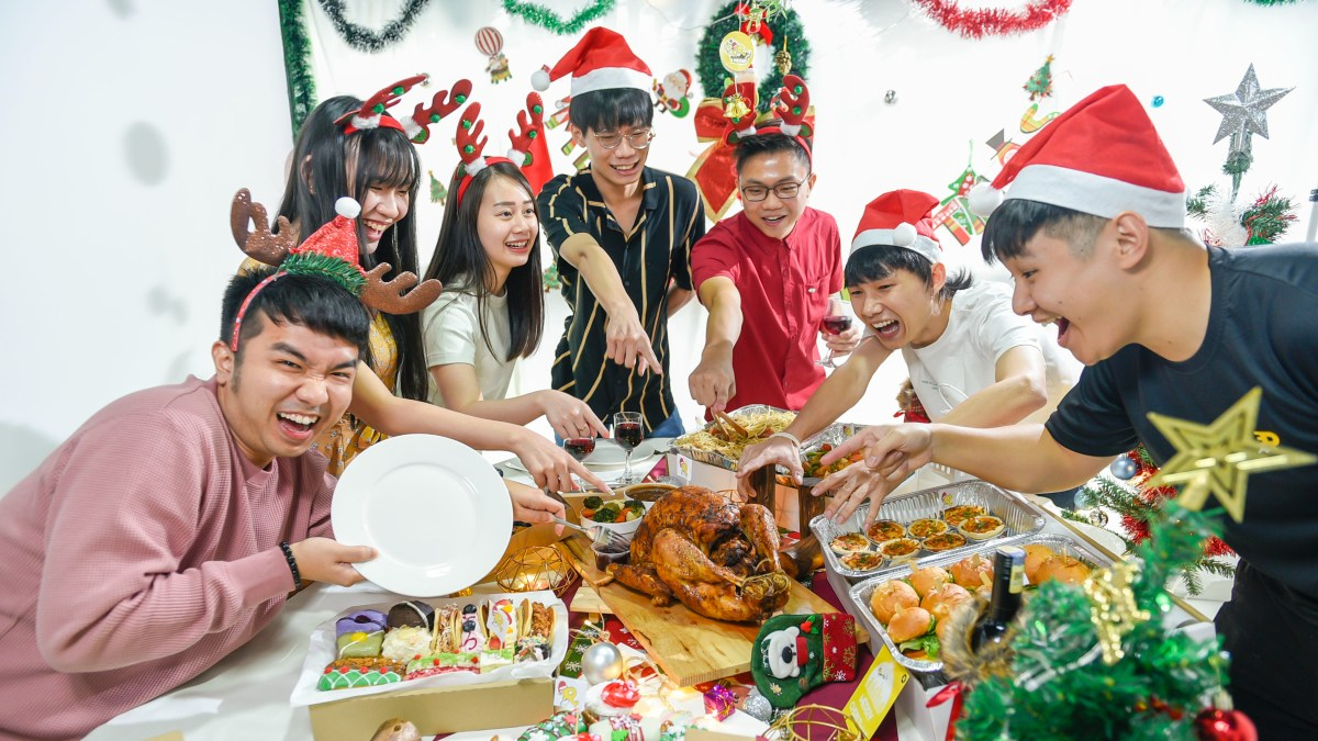 runningmen catering christmas 2020 catering group photo with products