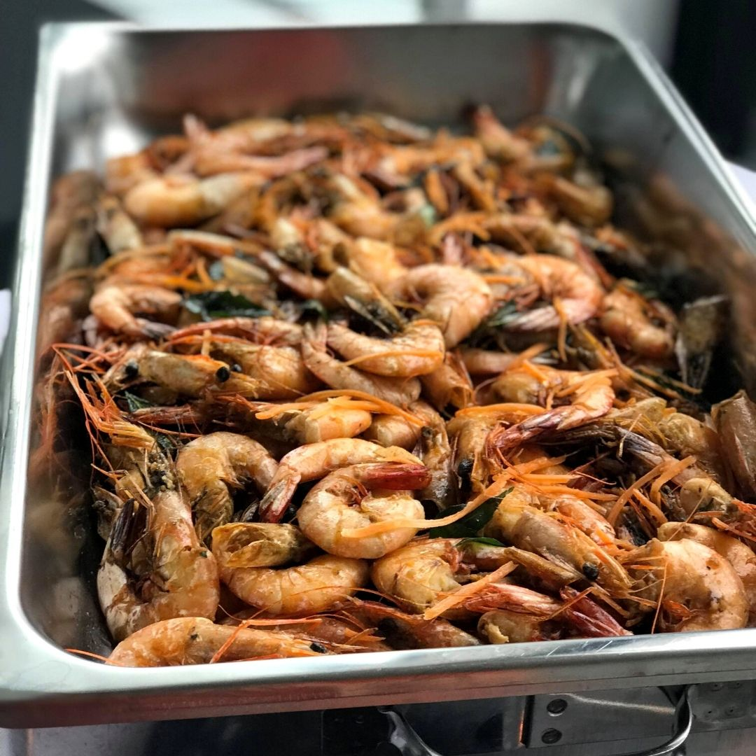 runningmen catering buffet food dish prawn
