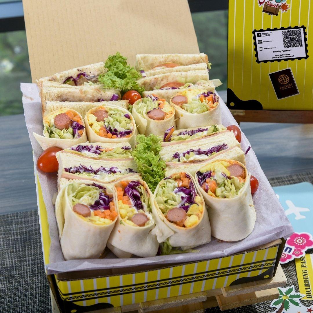 foodie box Small Sandwiches & Burrito Box