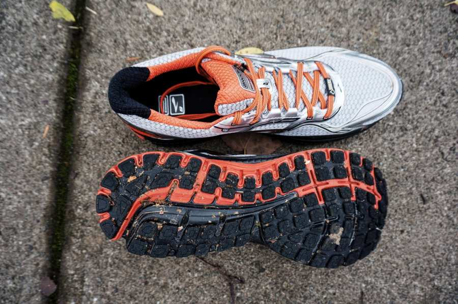 Brooks Ghost 8 GTX Review - Top and Bottom