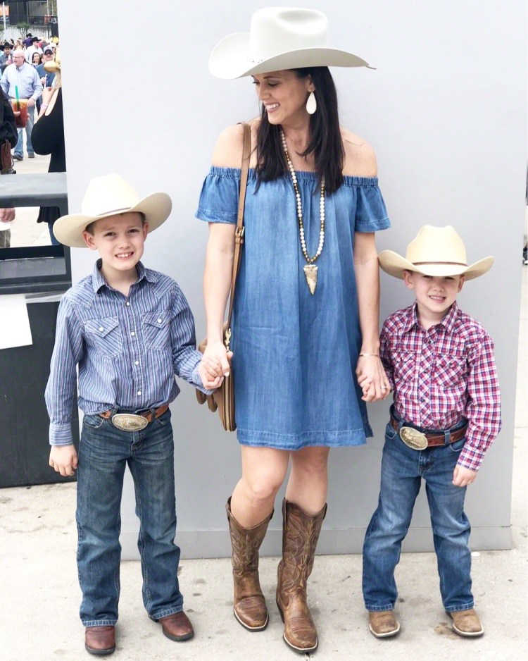 ab5cabac9a RODEO READY | WESTERN OUTFIT IDEAS – Running On Clean