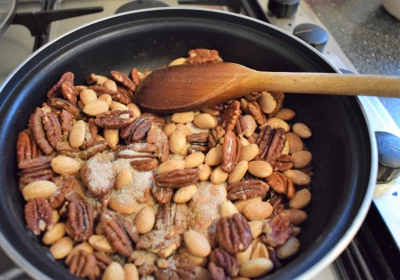 Sweet and spicy nuts - cooking
