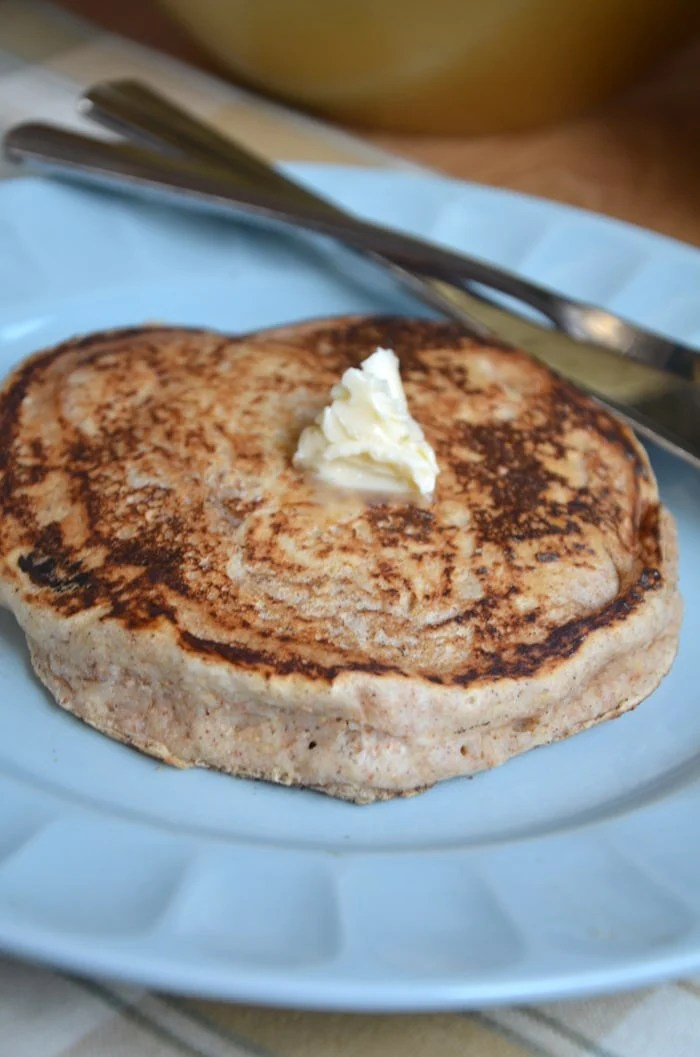 Fluffy Vegan Whole Wheat Pancakes! Oil-Free and no added sugar.