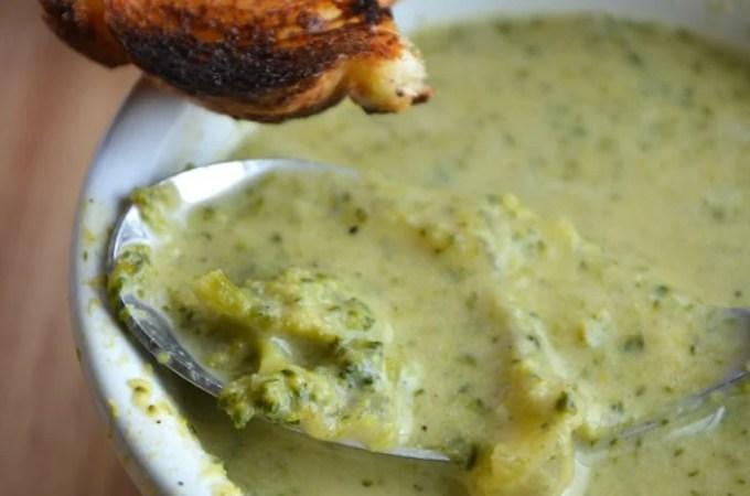 "Creamy and ""Cheesy"" Vegan Broccoli Soup"