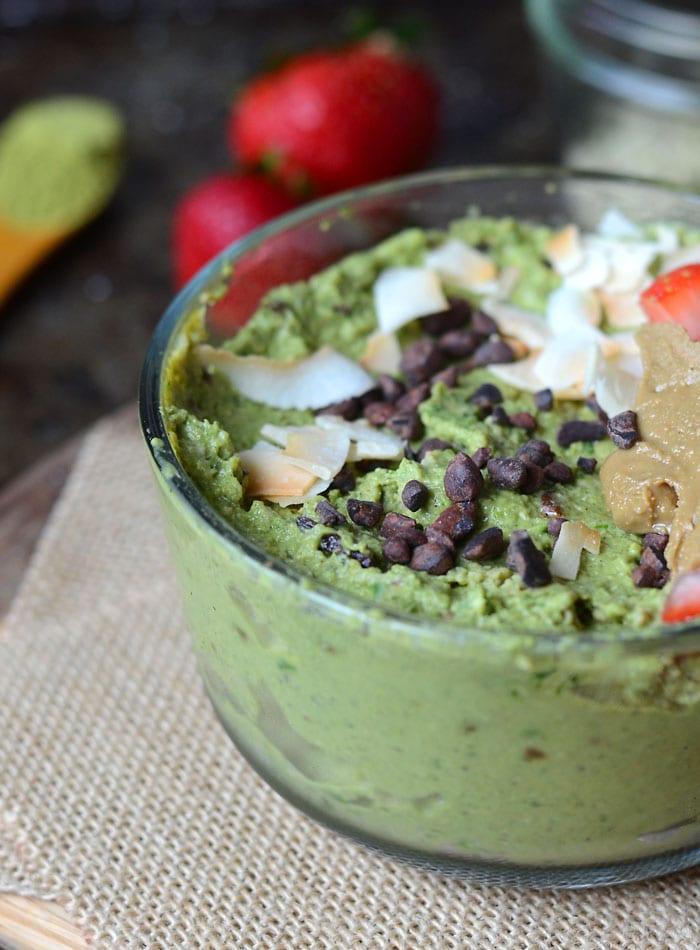 Hemp Matcha Chip Smoothie Bowl | low in sugar, fruit-free, vegan