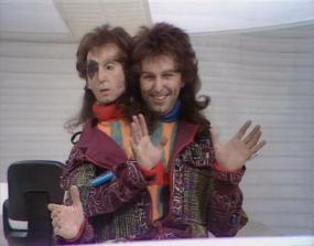Mark_Wing-Davey_as_Zaphod_Beeblebrox
