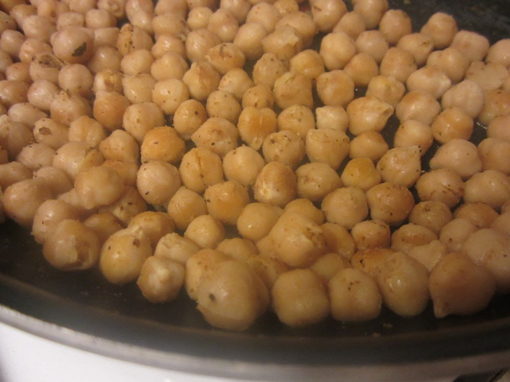Lunch Recipe:  Roasted Caulifower, Chickpea and Kale Salad (4/6)