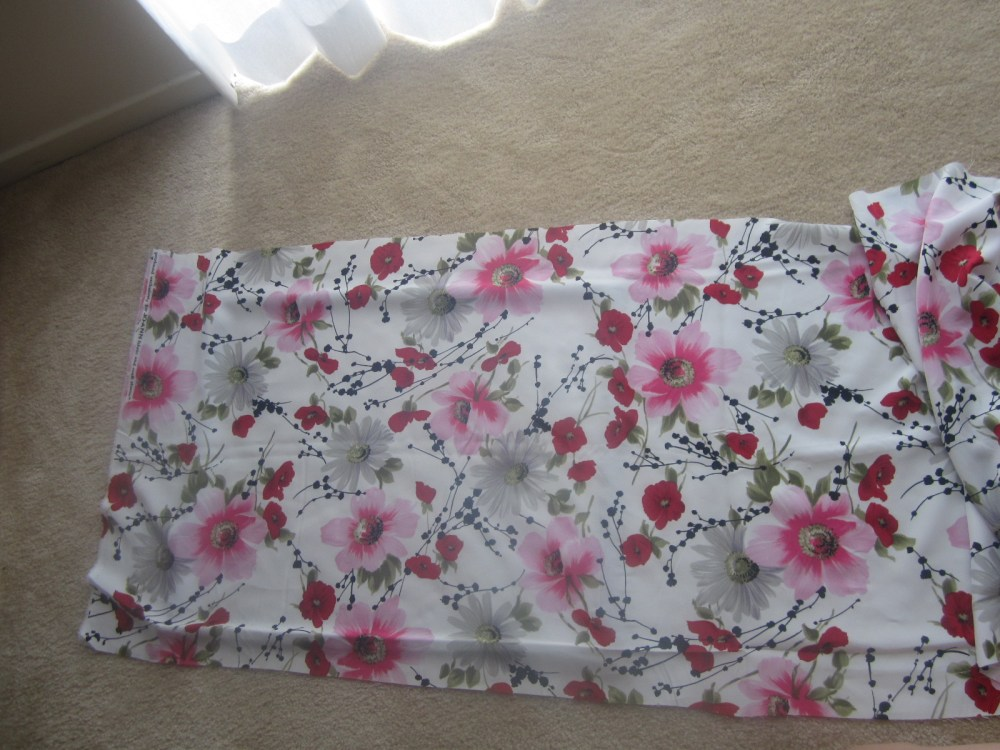 Do It Yourself Decorations:  Fabric Accent Frame (1/6)
