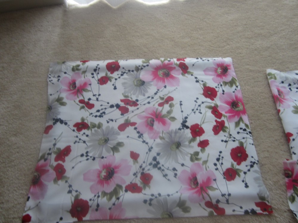 Do It Yourself Decorations:  Fabric Accent Frame (3/6)