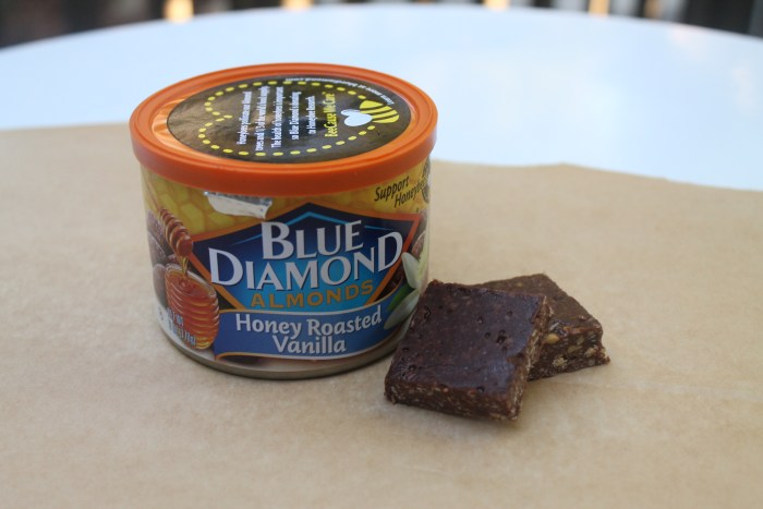 Blue Diamond Almonds- Honey Roasted Vanilla yum bites