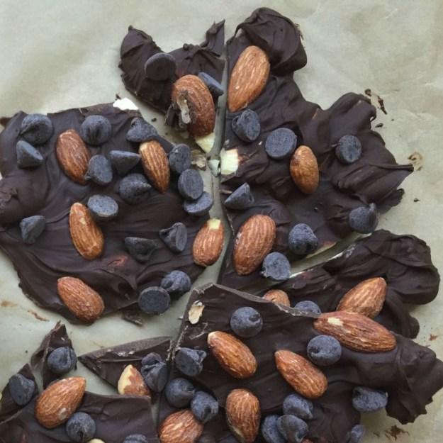 Blue Diamond Almonds 2 ingredient Salted Caramel Bark instagram