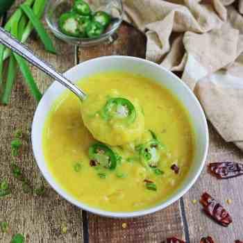Slow Cooker Roasted Garlic Turmeric Potato Soup