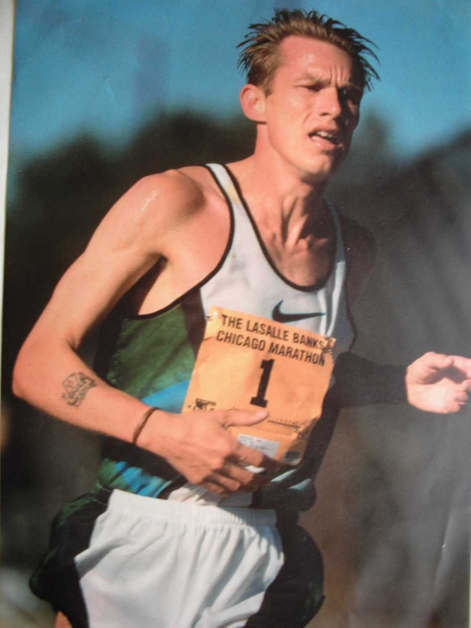 Paul Evans running in the Chicago Marathon