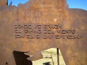 """""""Done se cruza el camino del viento con el d las estrellas"""": Where crosses the way of the wind with that of the stars."""