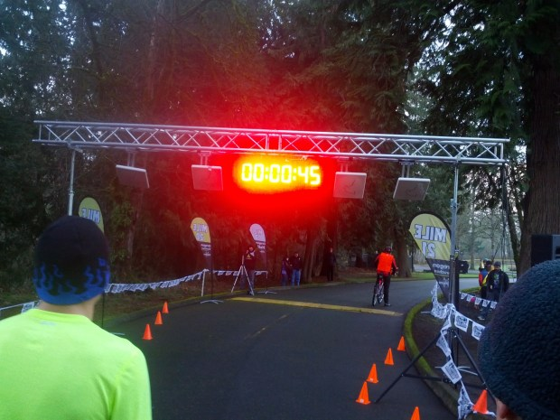 Just before the start of the 1 mile race. (photo by Tung Yin)