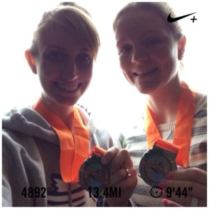 Instagram runner @k8opot8o sporting her new medal from the Lincoln City Half!