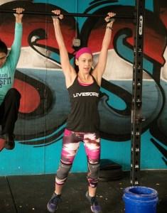CrossFit Open 17.2 Hanging Knee Raises
