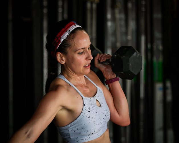 I'm lifting a dumbbell as big as my head. Writing this CrossFit Open 18.1 Recap felt great - mainly because I pushed myself harder than I ever thought I could during the workout.