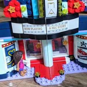 LEGO-Theater-Set_square