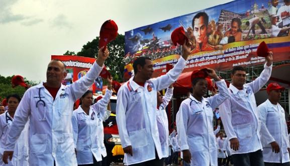 Resultado de imagen de médicos cubanos